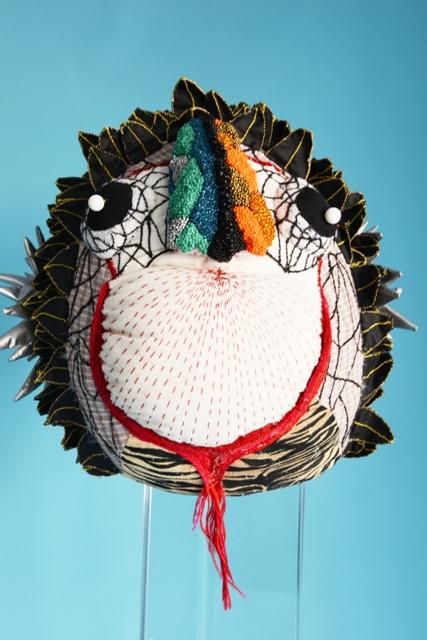 Poisson lion, sculpture textile de Myrtille Béal